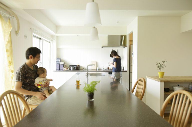 キッチンと4.5mのカウンター