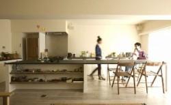 """手を入れて住まいをつくる""""見せるキッチン収納"""""""