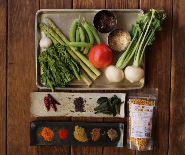 苦味と甘みとを閉じ込めた一品、春野菜のサンバル