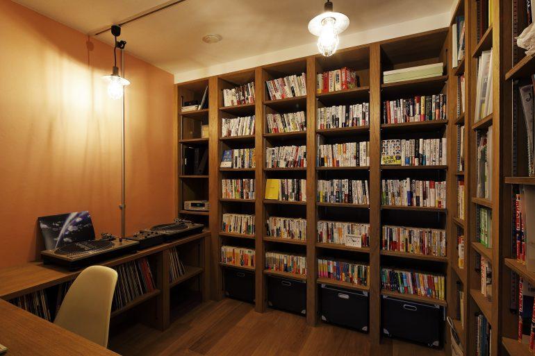 メゾネットと家族の図書室