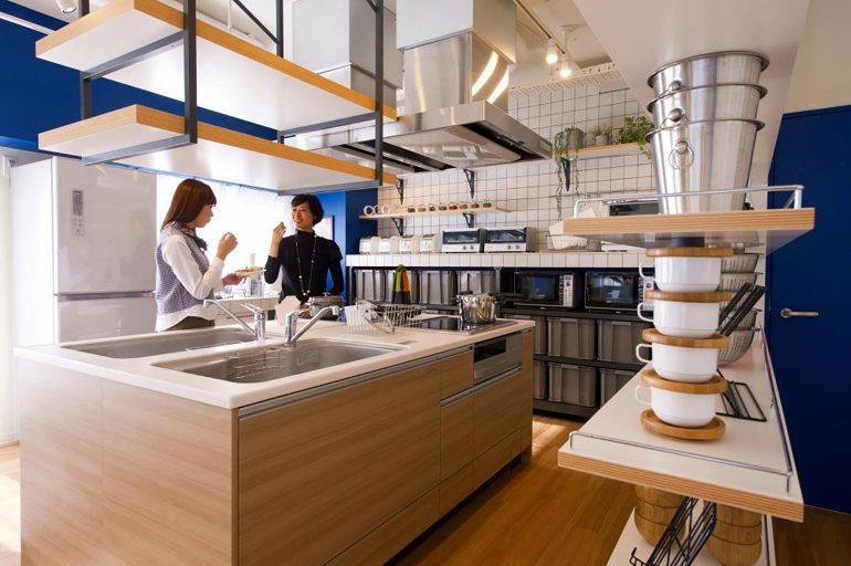 シェアプレイス駒沢|調理家電が充実した広いキッチン