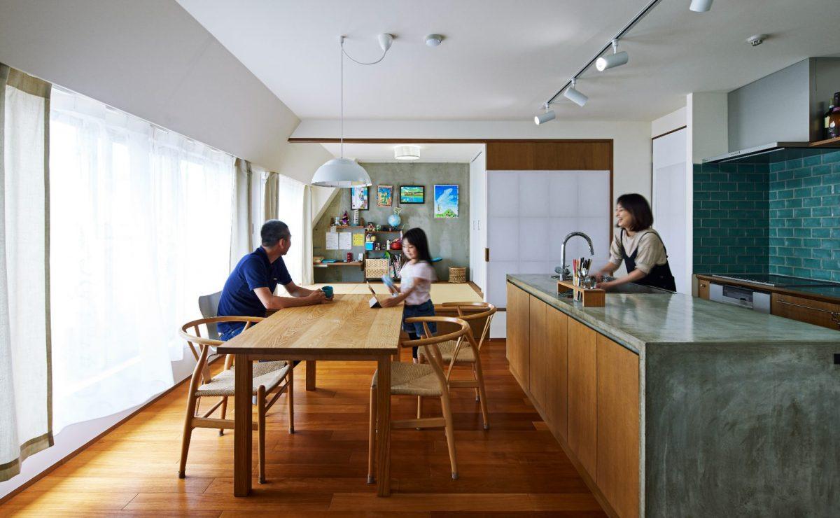 スカイツリーを見上げて、家飲みキッチン